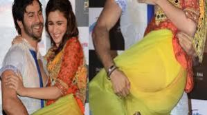 alia-bhatt-the-queen-of-wardrobe-malfunctions-bollywoodhotnudes